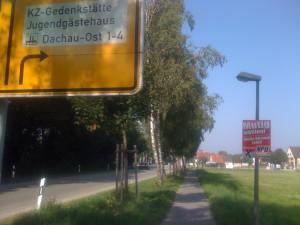Stilsicherheit beweist die NPD beim plakatieren in Dachau.