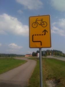 Eigenwillige Radwege: Achterbahn bei Dinkelsbühl.
