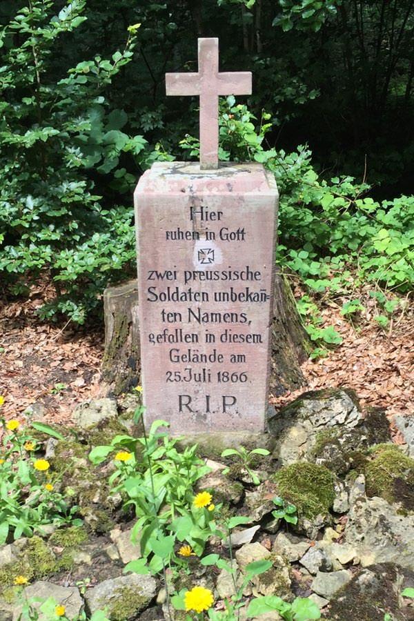 Grab zwei unbekannte Preußen